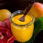 Ketchup de mangue, une sauce onctueuse et parfumée (vegan, sans gluten).