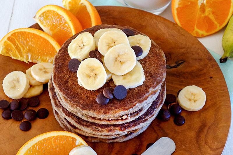 Recette de pancakes vegan à la farine de banane verte.