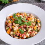 Salade de papaye aux tomates, haricots blancs et vanille (recette vegan, sans gluten).