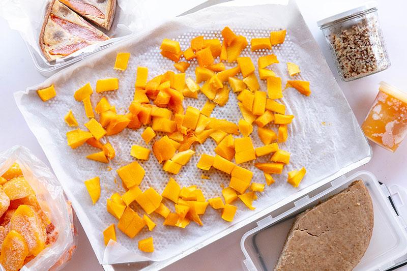 Mangues congelées en dés, tranches ou coulis.