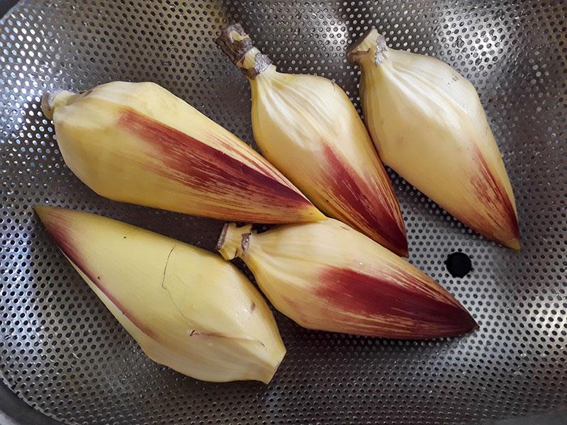 Coeurs de fleurs de bananiers.